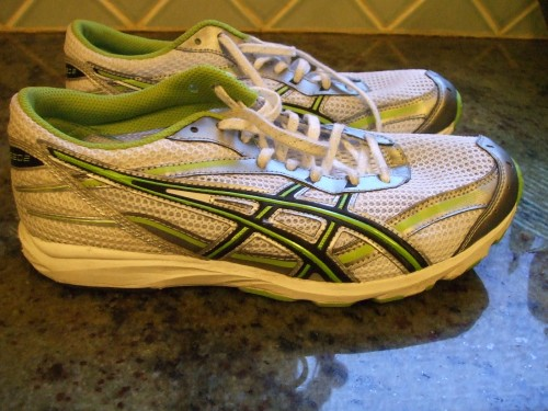 This years marathon contender ...the Asics Hyperspeed2..weighing in a whopping 5.6 oz